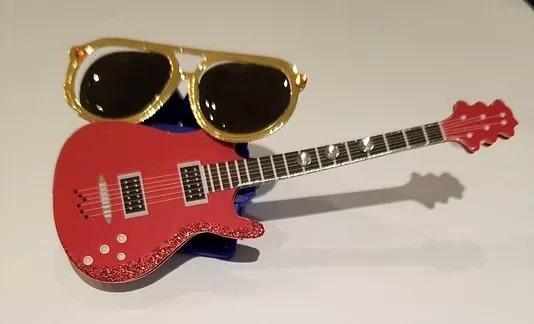 identron-dennie-guitar